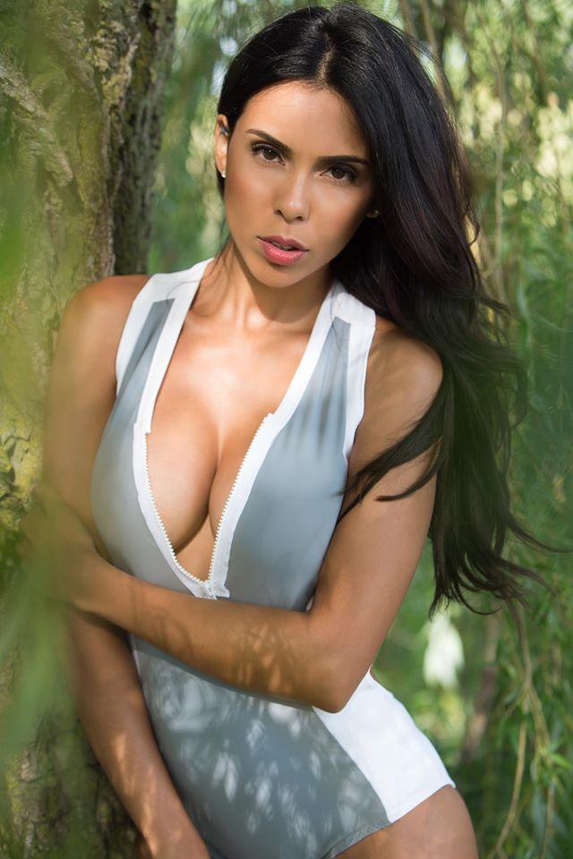 photo of ENVE Model Vanessa